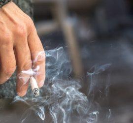 Main Fumeur